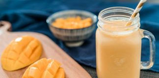diabetes-friendly-mango-milkshake